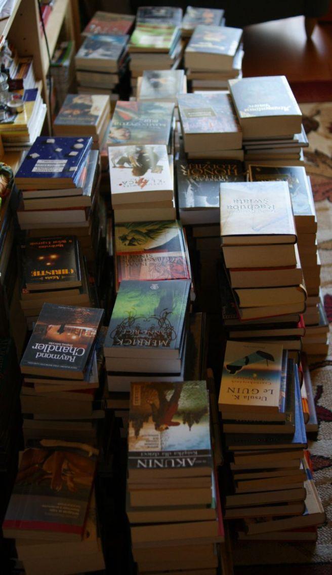 Stosy książek